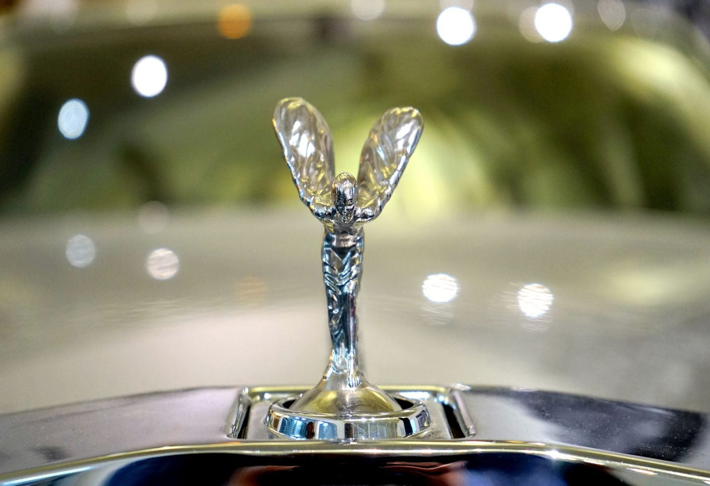 Rolls Royce Spirit of Ecstasy is not up for grabs anymore