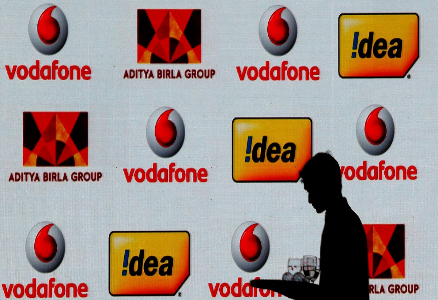 Vodafone Idea board approves Rs 25000 crore rights issue