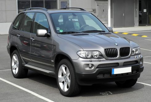 BMW X5 zooms in India at Rs 72.9L